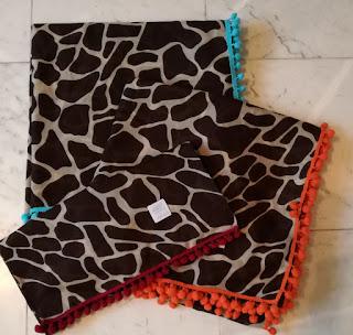 Giraffe Scarf with Pomnpom Craftrebella