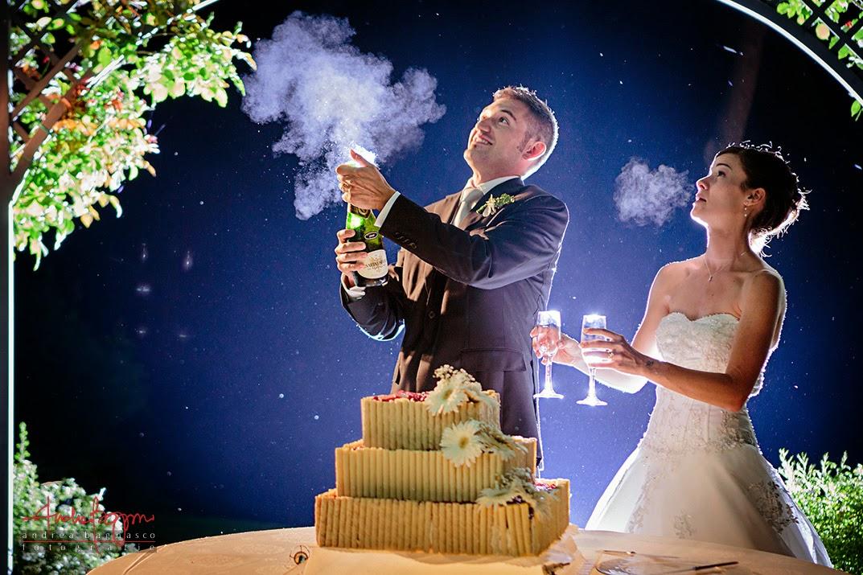taglio della torta ricevimento nozze castello di Lajone Quattordio