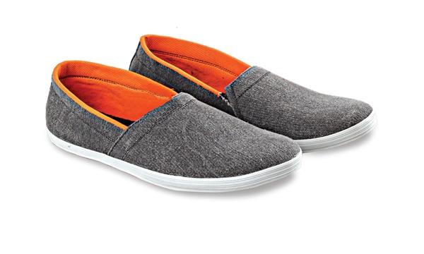 Sepatu Slip On Pria Blackkelly LDN 582