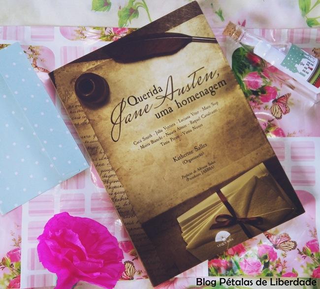 Resenha, livro, contos, fanfic, Querida-Jane-Austen-uma-homenagem, Leque-Rosa, Editora-Bezz, capa, orgulho-e-preconceito