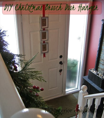 Christmas Door Hanger with frames and old brooches