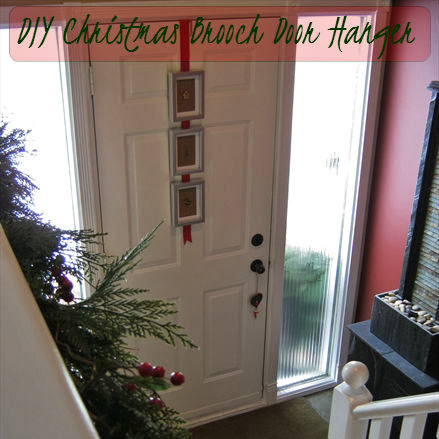 Easy DIY Door Hanger With Christmas Brooches