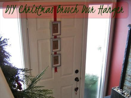 Easy DIY Door Hanger With Christmas Brooches