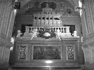 altar da basilica de Goa na Índai onde está o corpo de Xavier