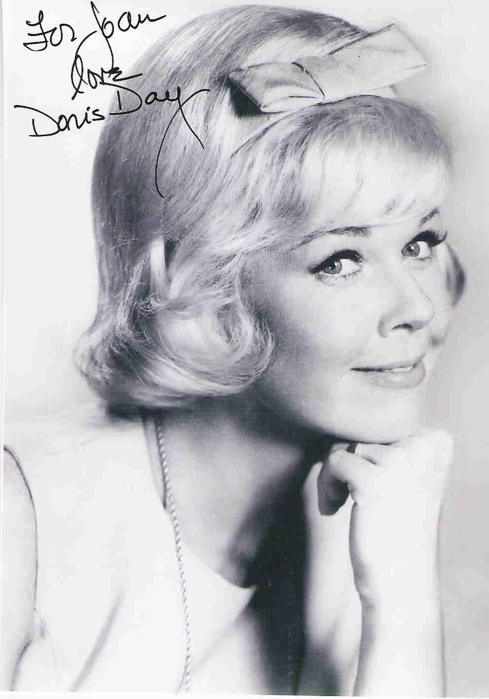 Doris Day Walking Dog Pictures: LAST LOOKS With Myke The Makeupguy: Beauty Icon Of The