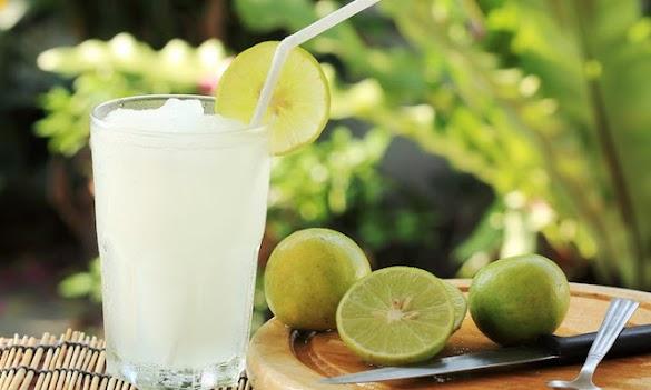 Tak Perlu Takut Sakit Maag! Minum Air Putih Campur Jeruk Nipis Di Pagi Hari Saat Perut Kosong, Malah 7 Manfaat Ajaib Seperti Ini Yang Akan Tubuh Anda Rasakan!