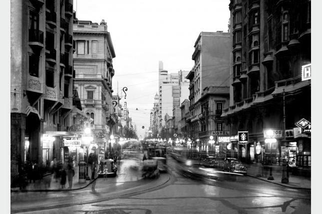 Avenida 18 de Julio desde la Plaza Independencia