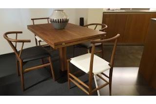 Moderni leseni stoli za jedilnico