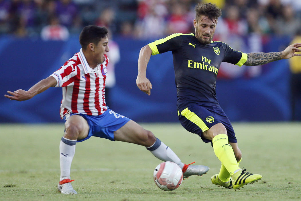 Alex Zendejas, en el partido amistoso ante Arsenal.