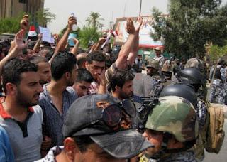 Anggota Milisi Syiah Badr Tembak Mati Demonstran di Basra