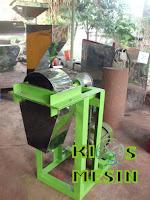 Mesin Penggiling Atau Mesin Pemecah Kacang Tanah, Mete Dan Almond