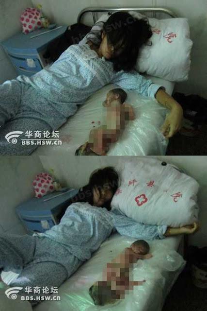 """A """"política do filho único"""" chinesa horrorizou o mundo. Mas o radicalismo ambientalista sonho algo pior. Na foto: mãe chinesa junto a seu filho que foi obrigada a abortar"""