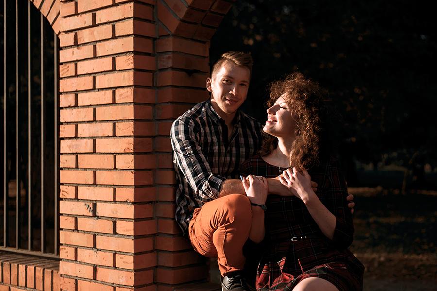 Sesja narzeczeńska przy rzece, Lubartów. Fotografia ślubna.