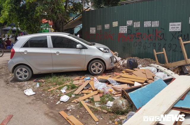 Giải tỏa bãi đỗ xe ở Linh Đàm và Kim Văn Kim Lũ - Ảnh 2