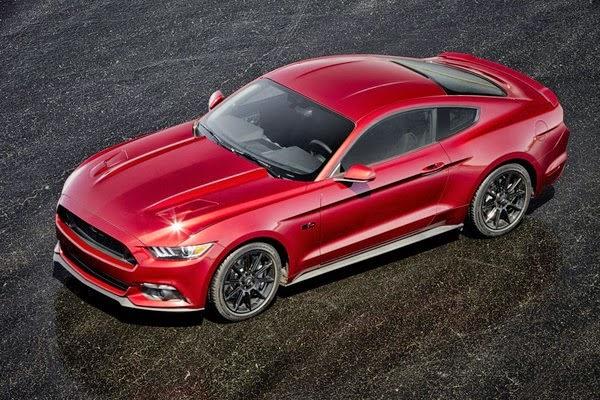 цена на Ford Mustang в России