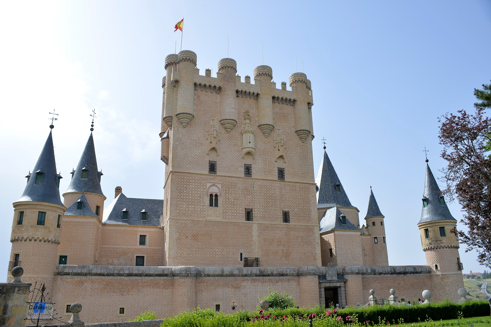 Unesco World Heritage Alcazar Segovia travel guide weekend Spain