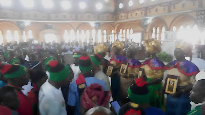 IPOB STORMS CATHOLIC CHURCH WITH FULL BIAFRAN MATERIALS, FLAGS – WHAT HAPPENED NEXT WILL SURPRISE YOU (PHOTOS)