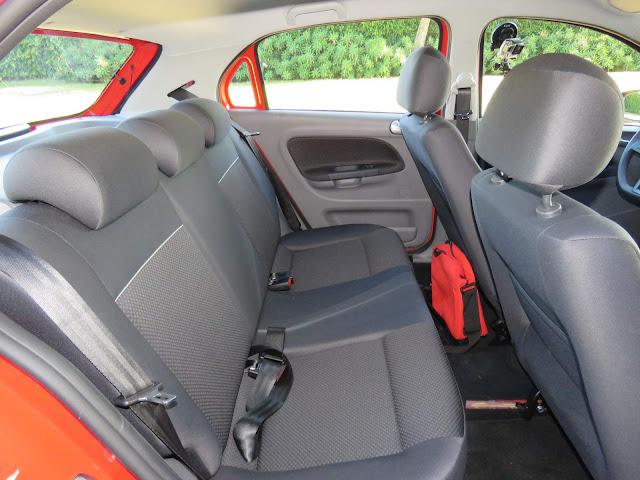Novo VW Gol 2017 - espaço traseiro