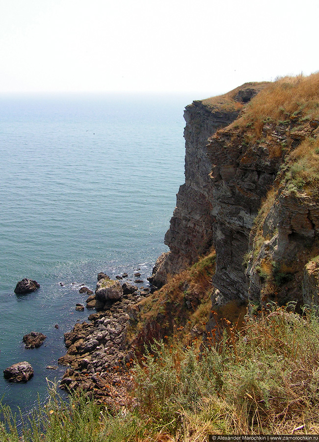 Отвесные скалы мыса Калиакра