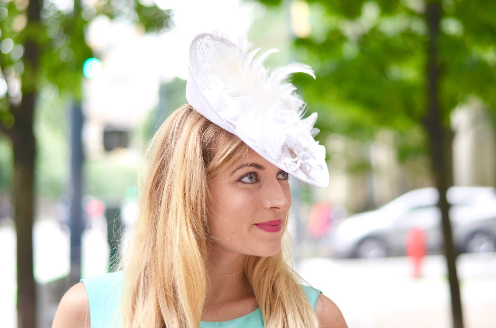 how to pick a hat for a horseracing event
