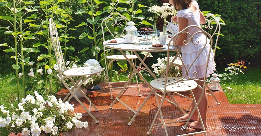 tea time in a garden, cottage breakfast, outdoor living, cottage living