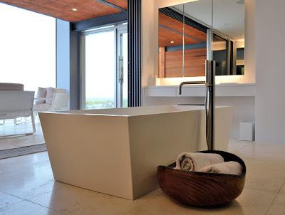อ่างอาบน้ำแบบเหลี่ยม