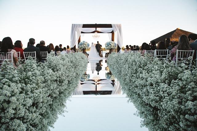 casamento real, porto vittoria, decoração, cerimônia, azul e branco, passarela de espelho, cerimônia a céu aberto