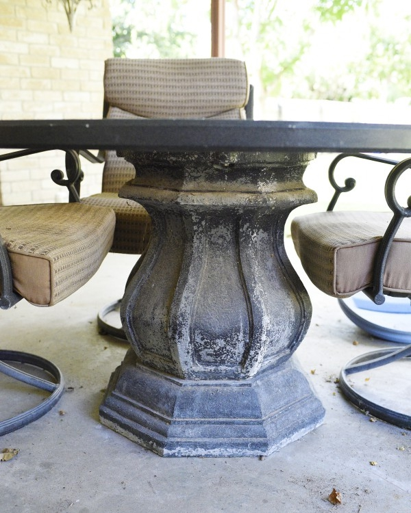 Make your patio set look like new with some spray paint. The project takes only a few hours for flawless, easy results.