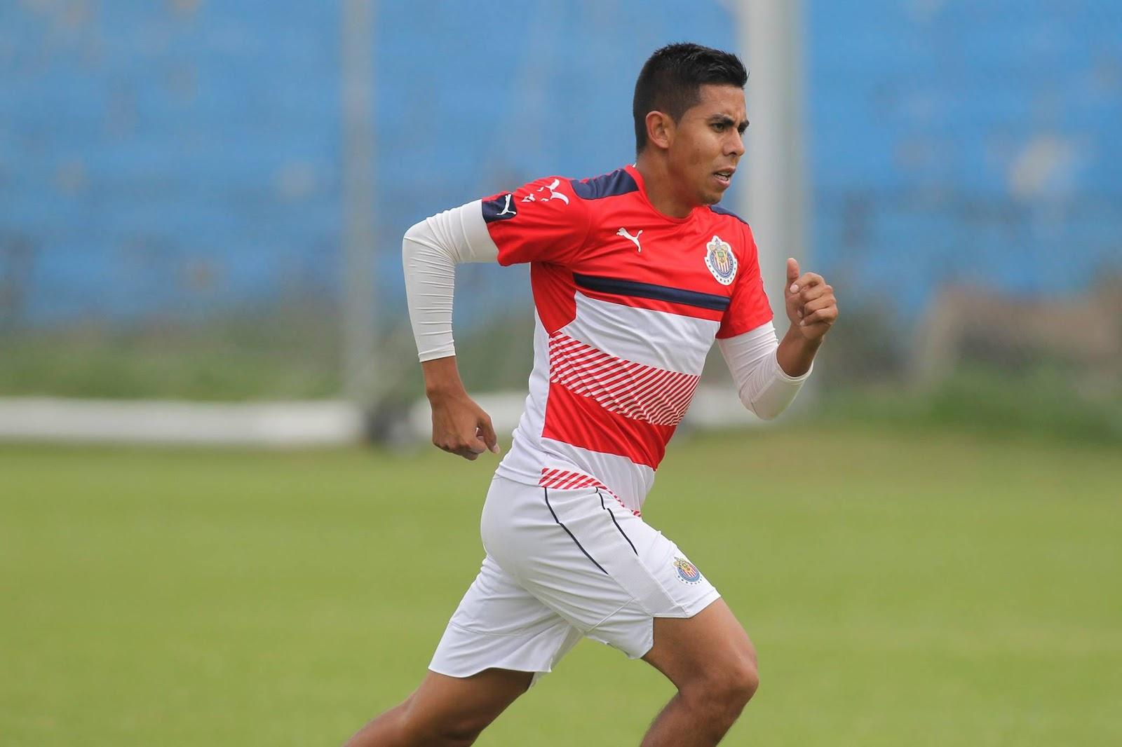 Néstor Calderón en el entrenamiento en Verde Valle.