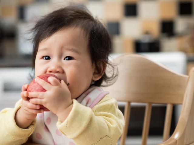 6 Jenis Buah Untuk Bayi 6 Bulan yang Bergizi dan Aman Dikonsumsi