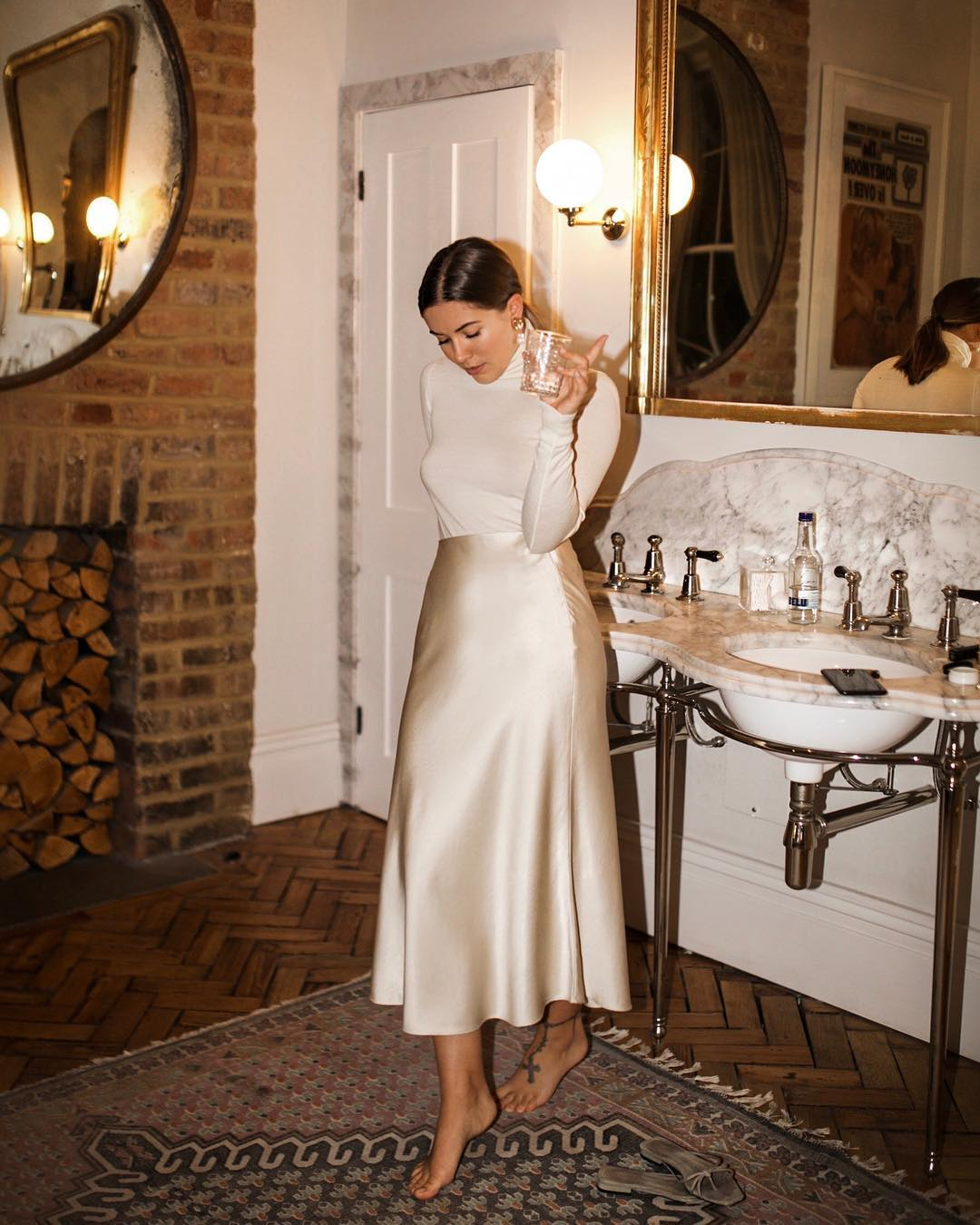 The 3-Piece Holiday Party Outfit to Try This Year — Turtleneck and Slip Skirt — @hannahcrosskey