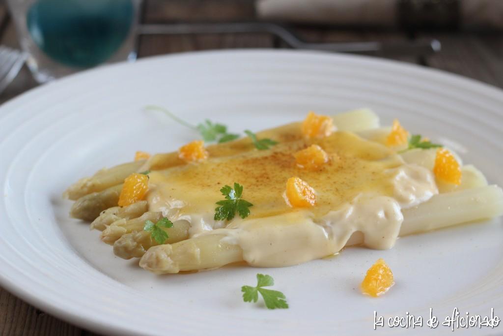La cocina de aficionado esp rragos con mayonesa c trica for Libro cocina al vacio joan roca pdf