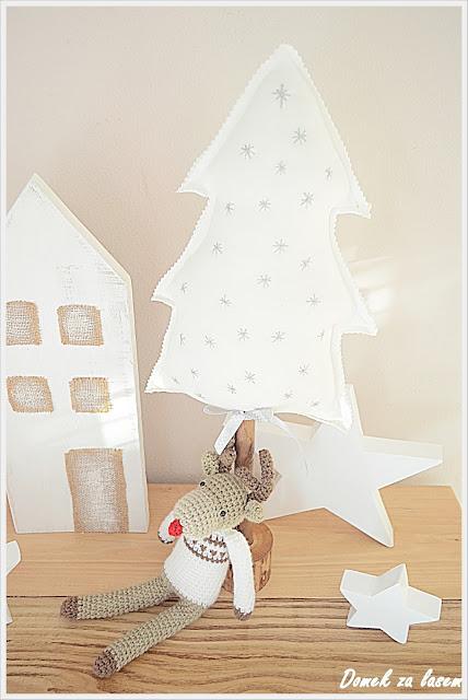 Choinka  Stefa  i   drewniane  gwiazdy – ozdoby  świąteczne  część 1