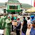 Ketua Persit KCK PD I/BB Berikan Tali Asih Pada Pasien dan Warga Sekitar Rumkit Putri Hijau Medan