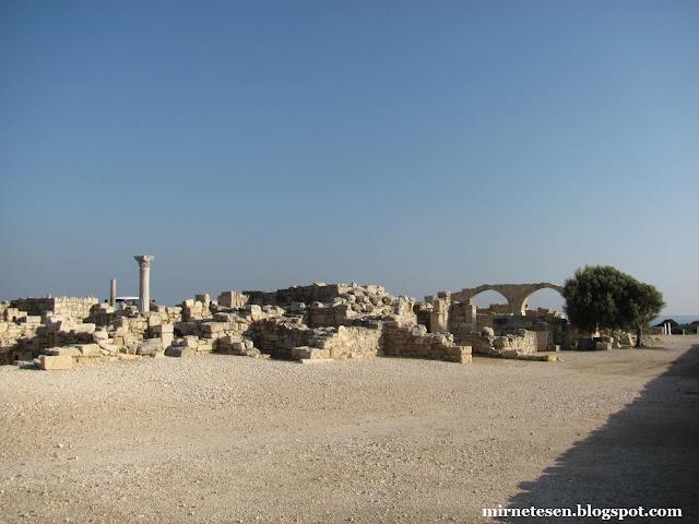 Курион - вид на руины древнего города
