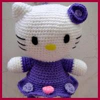 Kitty con vestido de flores amigurumi