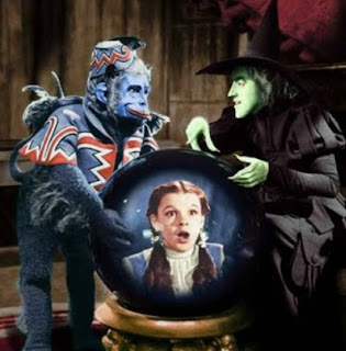 trump narcissitic personality, trump wicked witch winged monkeys, dorothy Oz, trump fear monger