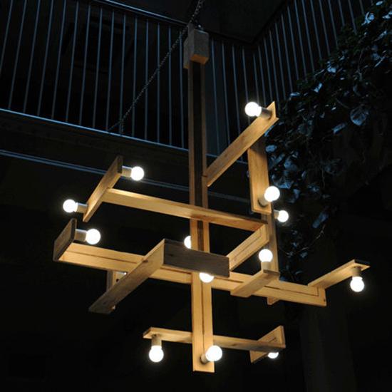 model lampu gantung dari kayu peti kemas bekas