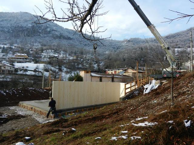 Posa pareti di Prima Casa Passiva in zona montana