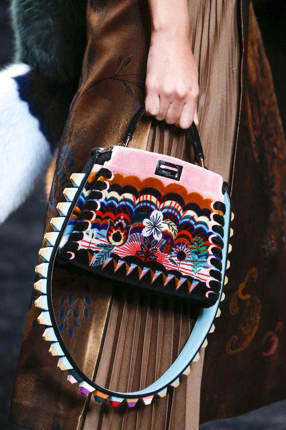 Guitar strap la tracolla decorata per le borse vita su for Privategriffe borse