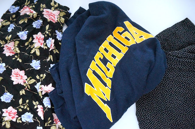 Teacups_and_Buttondrops_10_Vintage_Clothing_Finds