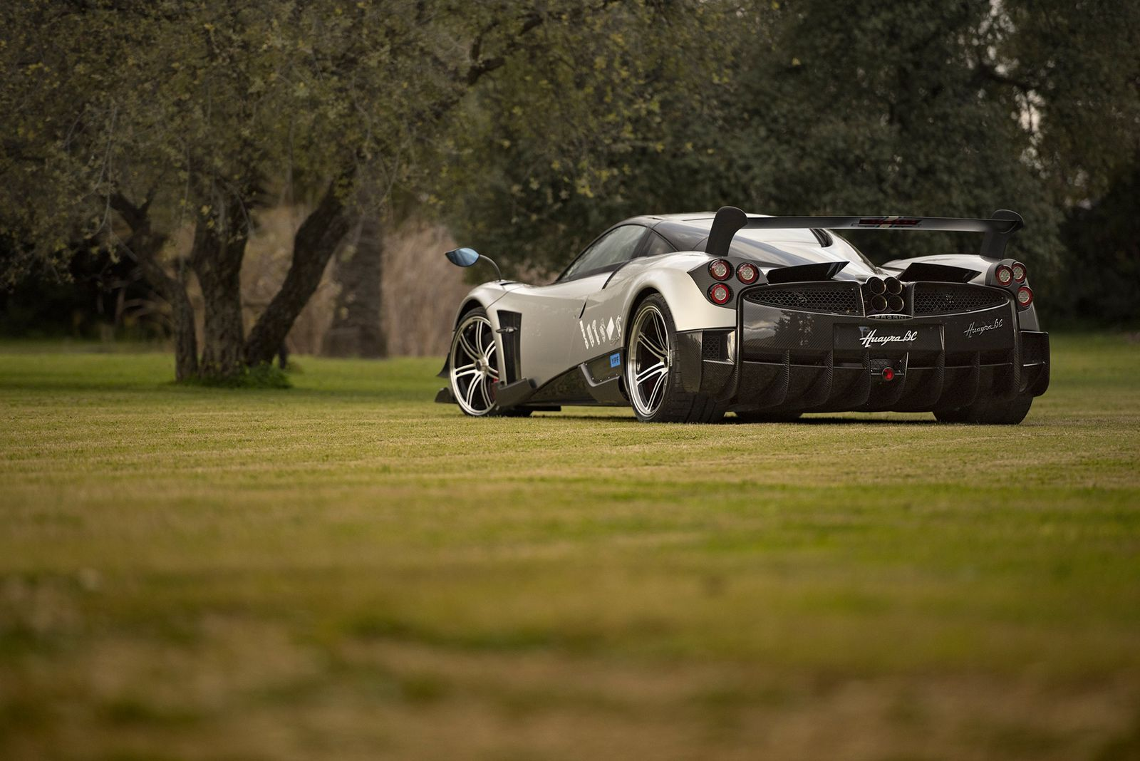 Pagani Launches Lighter Huayra Bc With 789hp And Carbon