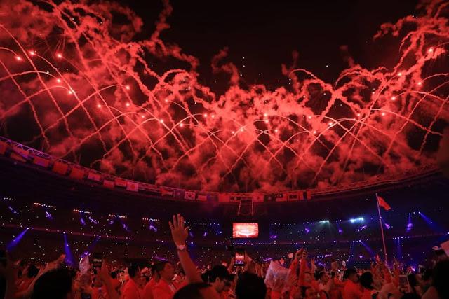 Pertunjukan kembang api di Closing Ceremony Asian Games 2018
