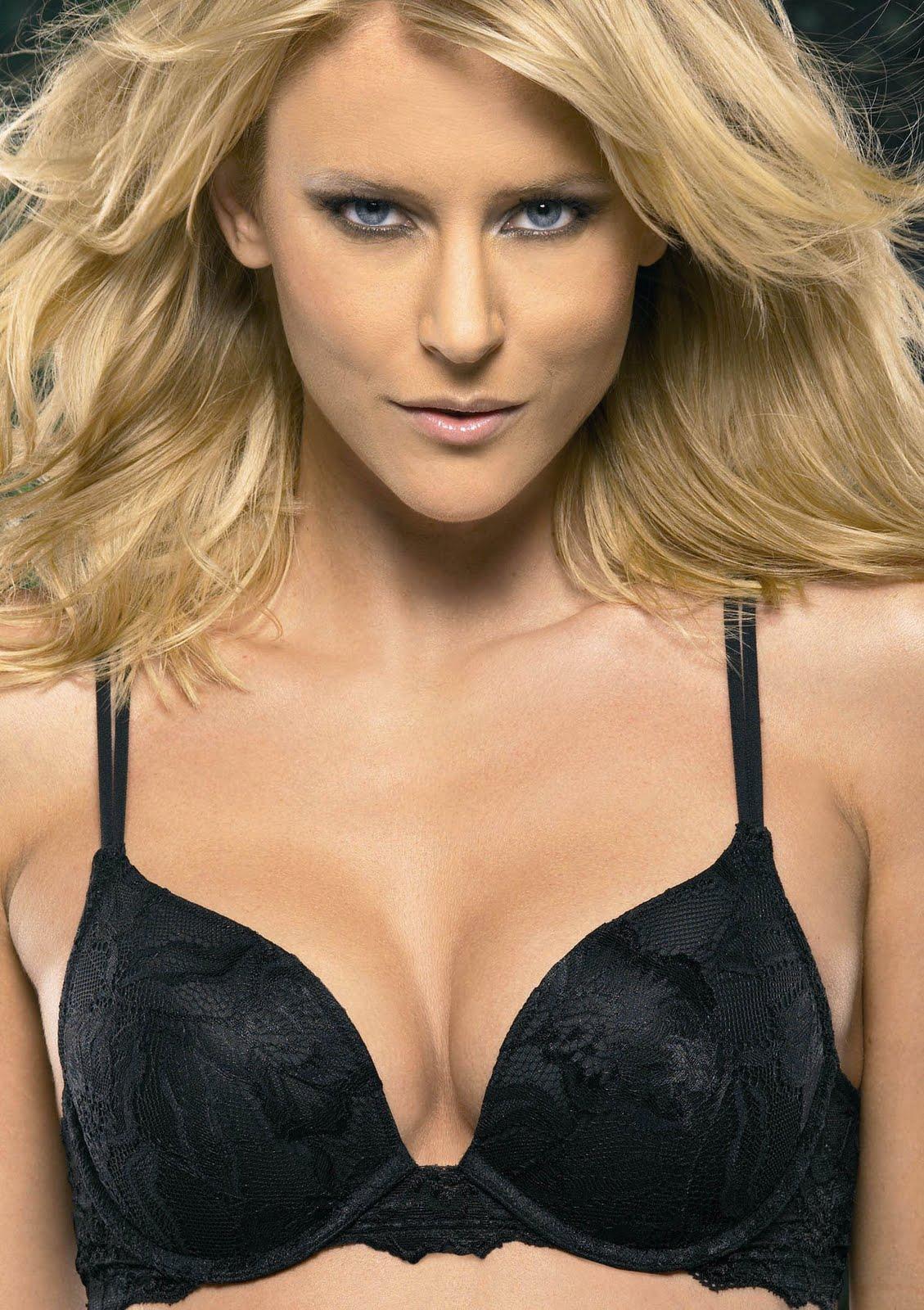 http://3.bp.blogspot.com/-E2DJz4IUeyk/ThCyTf22XHI/AAAAAAAACYs/7-uZcbL_PhI/s1600/tempting-lace-gel-bra.jpg