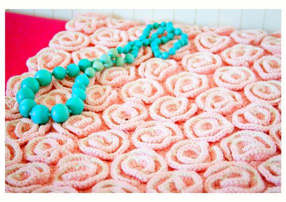 Amigurumi rose blanket crochet pattern