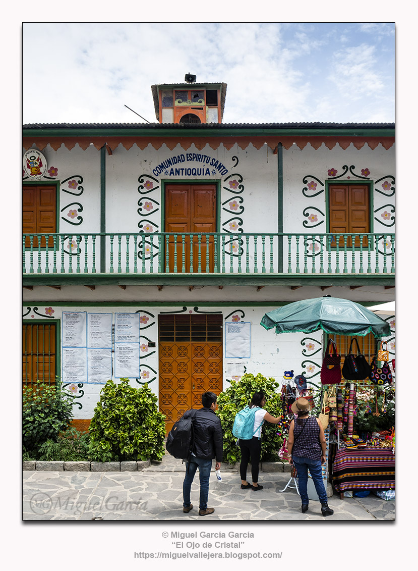 Antioquía, Huarochirí (Perú). Balcones de la Municipalidad