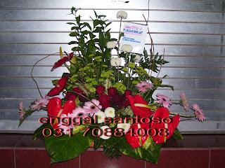 rangkaian karangan bunga meja anthurium