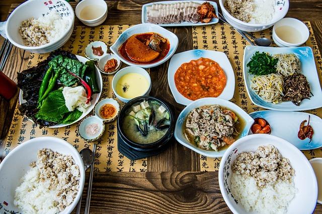 sensasi-menikmati-makanan-diistana-gyeongBok