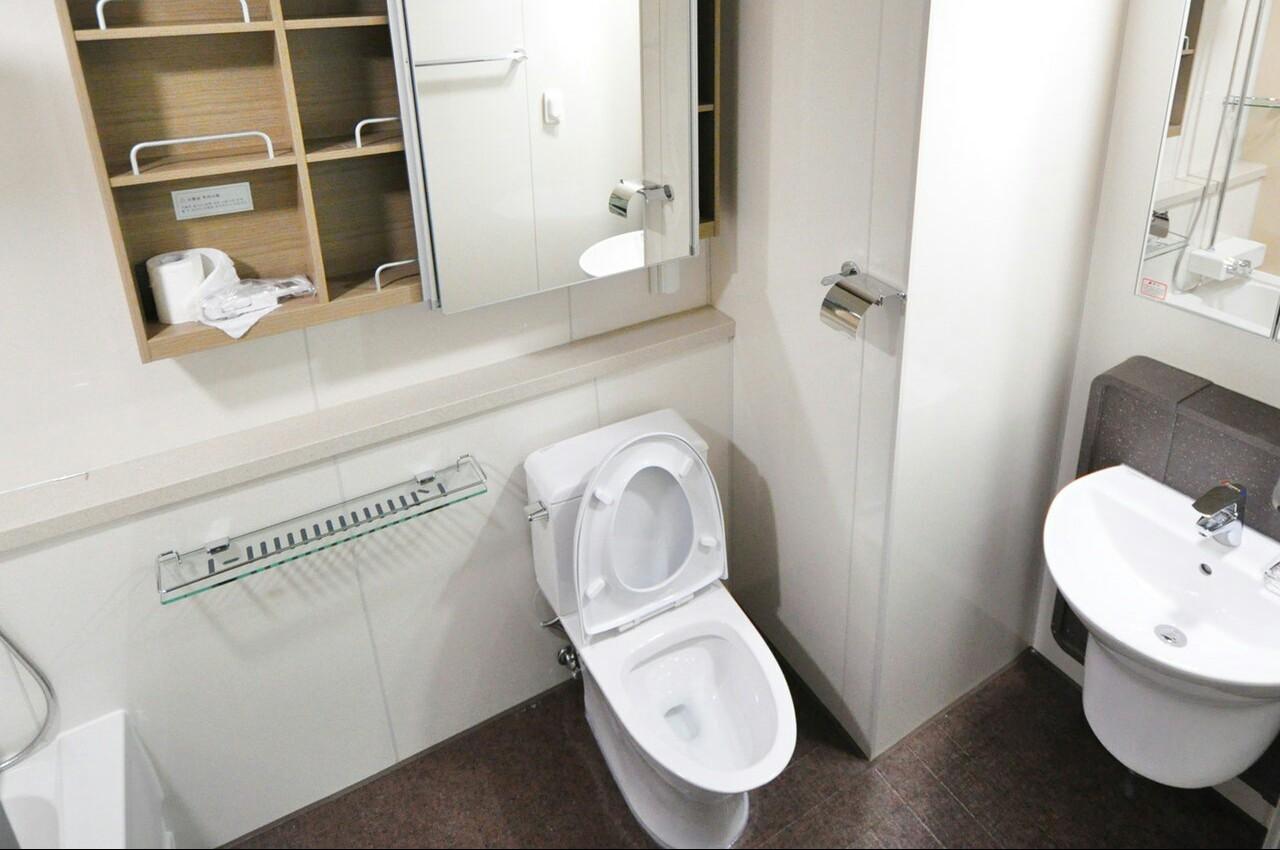 Lebih Baik Toilet Duduk Atau Jongkok