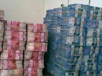 Pengalaman Menemukan Uang Di Jalan : Pemiliknya Sempat Mampir Ke Orang Pintar